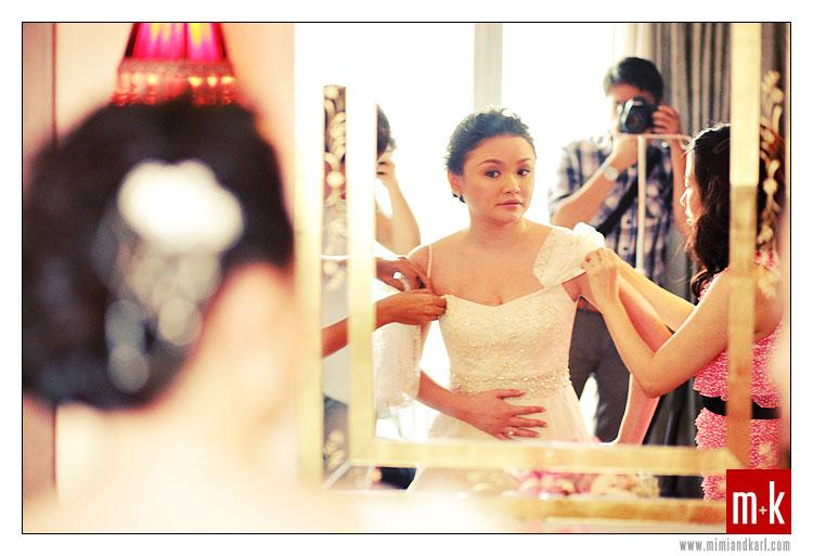bride dressing up